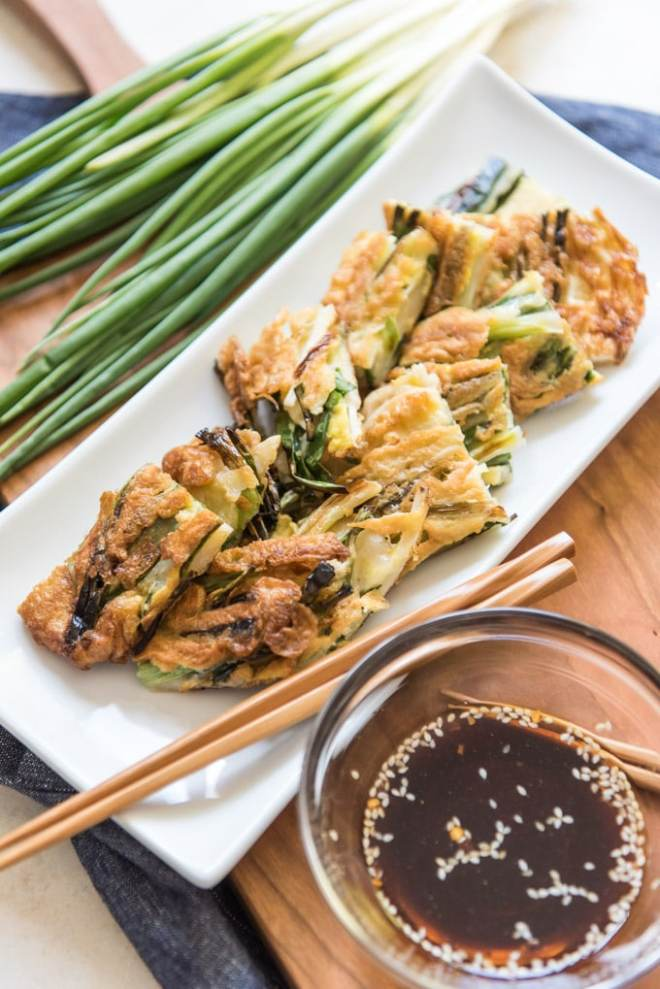 Korean-Pancakes-Recipe-with-Scallions-and-Dipping-Sauce-Pajeon-or-Pa-Jun-10.jpg